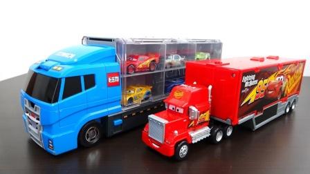 12辆赛车总动员小赛车乘坐大卡车