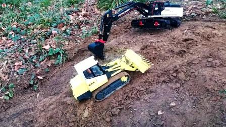 遥控工程车施工,白色挖掘机和黄色装载车运输泥土铺路真棒