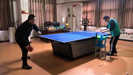 乒乓球球友正手拉下旋球指导,如何吃住球,更好地制造旋转?