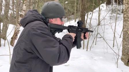 小口径.22LR全自动步枪,可配备弹匣或弹鼓供弹,射速真快