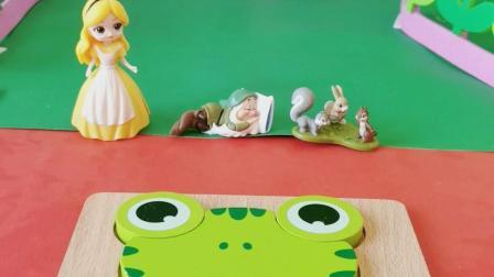 今天我们来玩小青蛙益智拼图吧