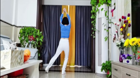 静儿广场舞DJ《超嗨减肥健身操》跟着背面一起来健身