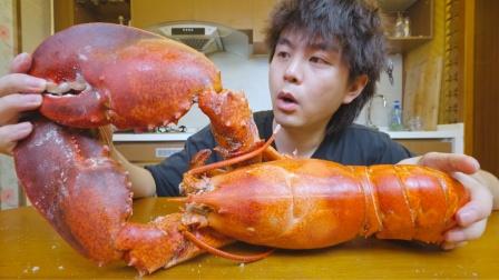 用5斤盐做的盐焗大龙虾,虾肉紧实弹压,虾钳鲜甜多汁,太美味了