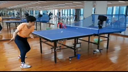 球友指导:乒乓球搓球后,攻下旋结合攻上旋有哪些注意事项?