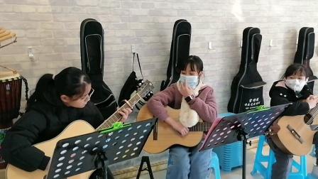 路星月、黄宇涵 课间合伴奏练习《穿越时空的思念》