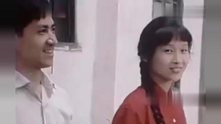 AI修复:新中国70年代的街头影像,人们衣着朴素,眼神祥和