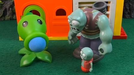 小怪回来的很晚,巨人很是担心他的危险