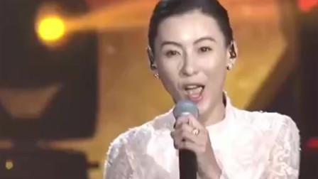 张柏芝揪心演唱《女人婚后真不易》,独自带着三个孩子更不容易!