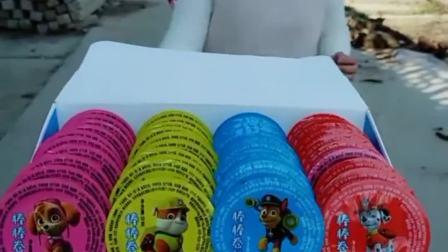 趣事的童年:送小火苗的小朋友想吃糖吗