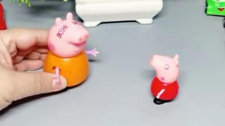 乔治想要玩具,猪妈妈不给买,乔治躺地上不走