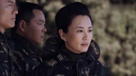 麻辣女兵:女儿当兵才发现,母亲不仅是副旅长,另一身份更吓人!