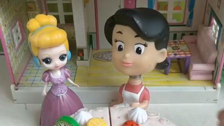 贝尔和白雪同一天生日,王后只给贝尔过,白雪会伤心的