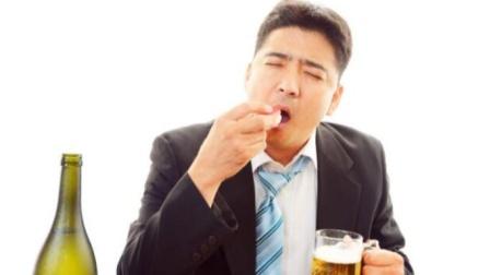 """癌从口入?提醒:4类食物或是癌症的""""加速器"""",尽量忌口"""