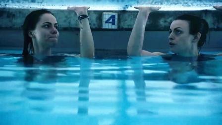 2女孩为捡戒指,被困在水下10小时,不料清洁工竟动了歪心思!