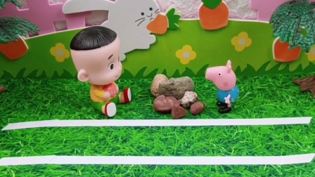大头往马路上摆了好多石头,乔治把石头移走了,乔治做的真棒