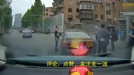 行车记录仪:仗着开豪车,当场欺负外卖小哥