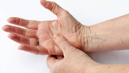 注意!手指若出现4个特征,肺部有癌