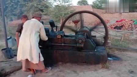 实拍巴基斯坦农民点火启动一台老旧引擎,落后中国至少20年!