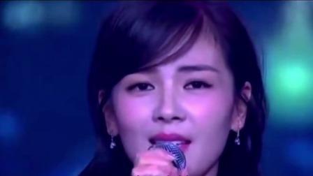 流行歌曲分享,李玲玉刘涛董卿三位女神合唱一首《情网》歌声悦耳动听,让人沉醉