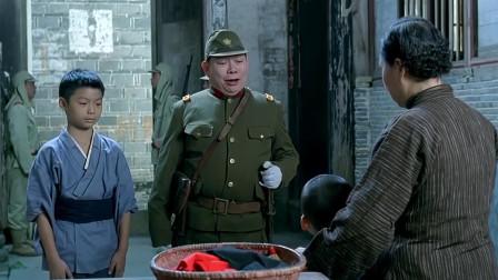 中国小孩救下日本人,多年后却成了屠杀同胞的侵略者,抗日电影