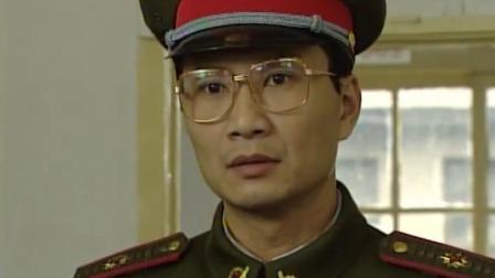 红十:军官想要当正牌男友,向女教官耍小脾气,可把女教官乐坏了