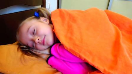 好多好多的玩具小娃娃呀,把它们拼好跟小朋友一起睡觉啦!太好玩