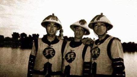 """清朝士兵衣服上的""""兵""""和""""勇"""",只是一字之差,地位却天壤之别"""