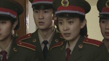 红十:女兵班长病危缺血,不料战友们得知急忙献血,这一幕太感人