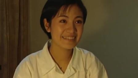 红十:班长生日,没人记得心情不好,不料同学推着大蛋糕给她惊喜