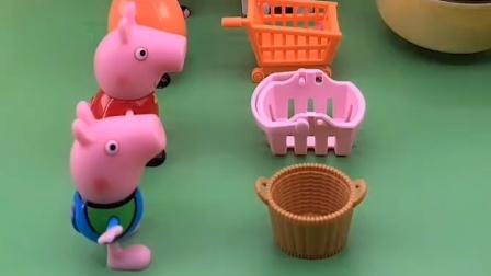 给佩奇乔治猪妈妈分糖了,乔治把小筐换成大筐,乔治真聪明