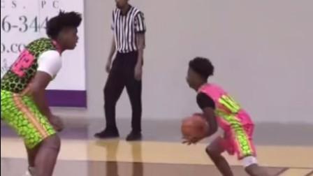 当篮球场上遇到这种体格的对手时,换你会怎么防守?