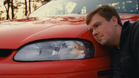 小伙爱上一辆车,每次回来都要吻一遍,考虑过车的感受吗?