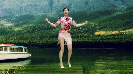 另一种风格简单好看《三月里的小雨》青青世界广场舞