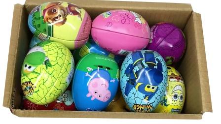 熊二带来了一箱的奇趣蛋 奇趣蛋玩具拆蛋游戏
