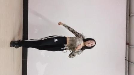 弹跳舞《人心伤了只会疼》32步.1