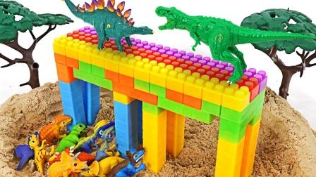 睡衣小英雄玩具故事:猫小子vs罗米欧恐龙大作战!谁会获胜?