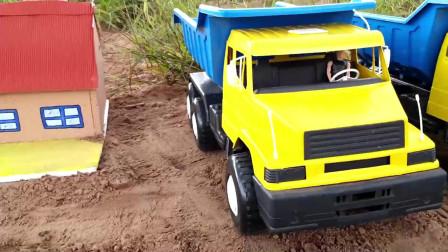 两辆仿真自卸车和装载车玩具