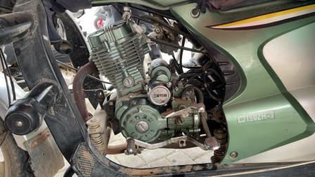 摩托车发动机如果长时间不更换机油会发生什么?师傅带你一起看下