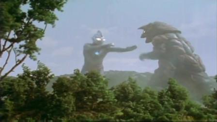 迪迦:防御点满的哥尔赞就是牛,连吃迪迦三个大招,竟没事!
