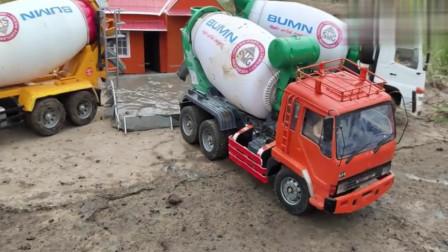 工程车游戏 彩色水泥搅拌车出发运输水泥浆