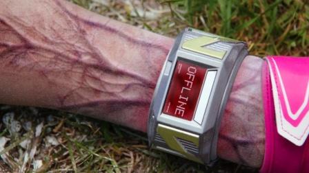 人类给丧尸带上高科技手环,只要滑动一下,就会发生可怕的变化!