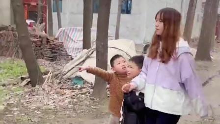 侄子在村里拼姑姑,没想到这样造谣,怪不得姑姑嫁不出去!