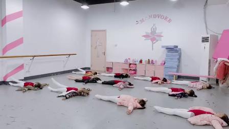 躺着训练基本功儿童舞蹈学习
