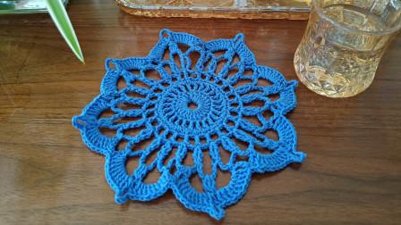蓝色杯垫的钩法。