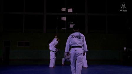 难以置信!空中跆拳道腿法大神,挑战极限!