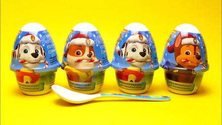 超级萌的汪汪队吸盘玩具,还是圣诞节系列的呢!汪汪队食玩玩具