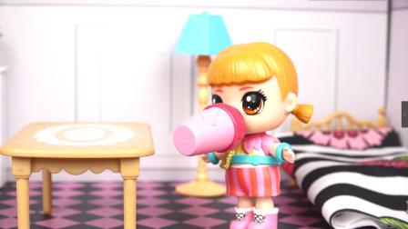 芭比娃娃不爱喝水,结果到了沙漠没水喝