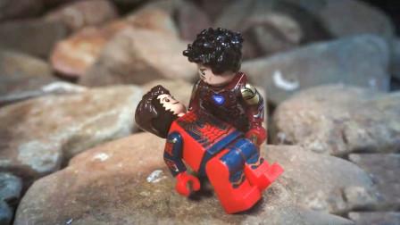 复联4的真实版本,钢铁侠活到了最后,打响指凉凉的竟是蜘蛛侠!