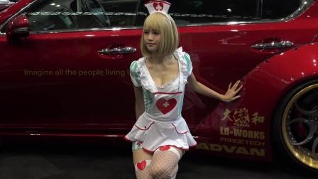 东京汽车展会,抓拍一位卡哇伊女模特