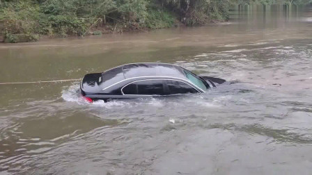 最牛BMW水陆两用#车船税没白交